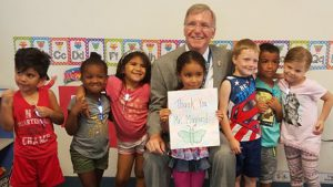 Mayor w group of prek kids