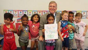 Mayor w group of prek kids