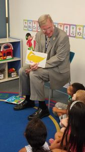 Mayor w grp of prek kids - duck